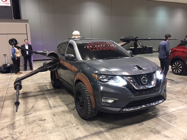 2018 Nissan Rogue as Poe Dameron's X-wing with BB-8