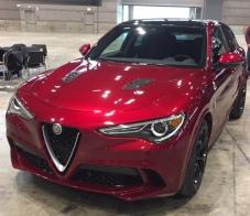 Alfa Romeo Stelvio Quadrifoglio front