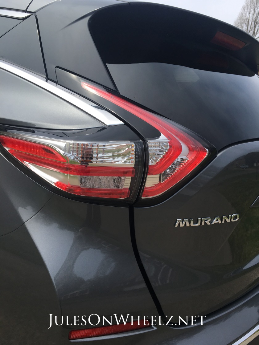Murano tail and fin