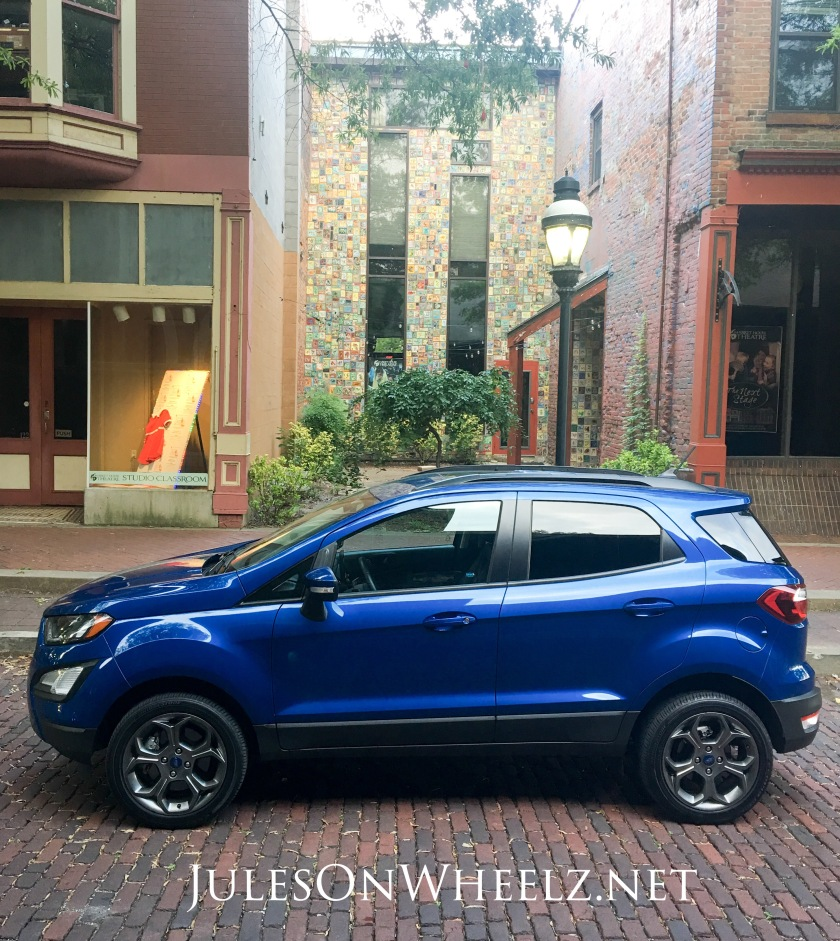 tile alcove and EcoSport