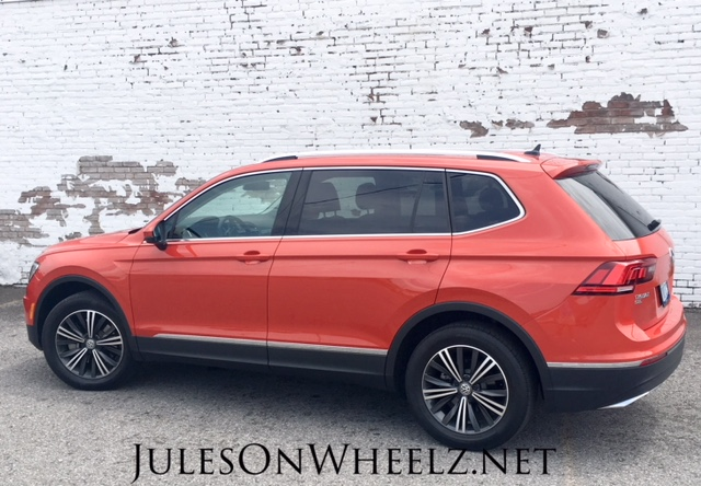 White wall and Tiguan