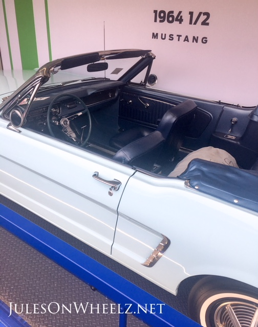 1964.5 Wise Mustang interior