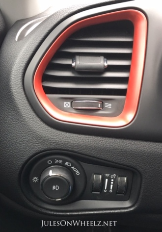 2019 Jeep Renegade Trailhawk red vent detail